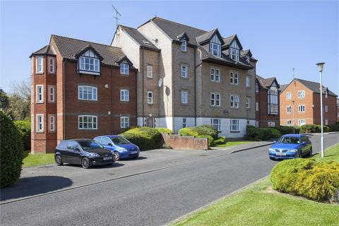 2 bedroom apartment to rent - Ashdown House, Rembrandt Way, Reading, Berkshire, RG1