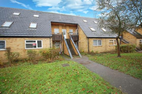 1 bedroom maisonette to rent - Redhall Close