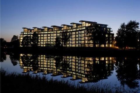 3 bedroom apartment to rent - River Crescent Waterside Way