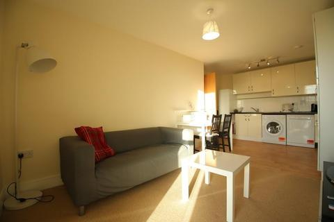 2 bedroom flat for sale - Westwood House, Millharbour Road, Canary Wharf,South Quay, London, E14 9DJ