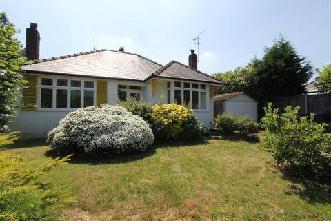 3 bedroom detached bungalow to rent - The Crescent, Hagley, Stourbridge, DY8