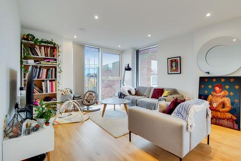 2 bedroom apartment for sale - Carriage Way, London, SE8