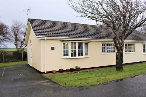 2 bedroom chalet for sale - Gower Holiday Village, Scurlage