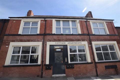 1 bedroom flat to rent - 161 Mossley Road, Ashton-Under-Lyne