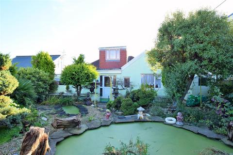5 bedroom detached bungalow for sale - Porthkerry Road, Rhoose,