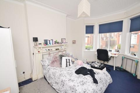 7 bedroom house to rent - Victoria Park, Manchester