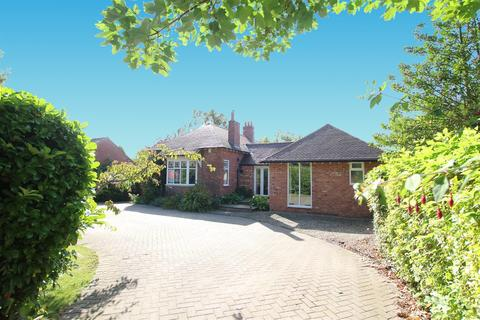 4 bedroom detached bungalow for sale - Abbey Road, Darlington