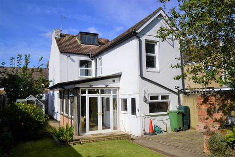 4 bedroom detached house for sale - Lansdown Road, Old Town, Swindon