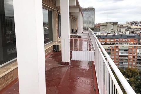 13 bedroom apartment - Hispanoamérica, Chamartin, Madrid