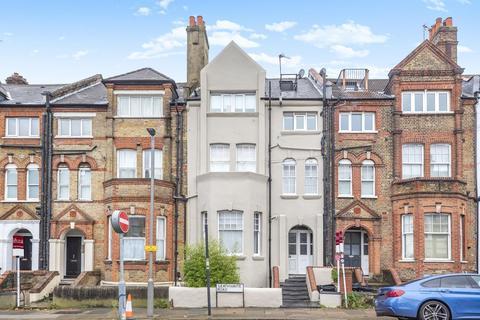 2 bedroom flat for sale - Leathwaite Road, Battersea