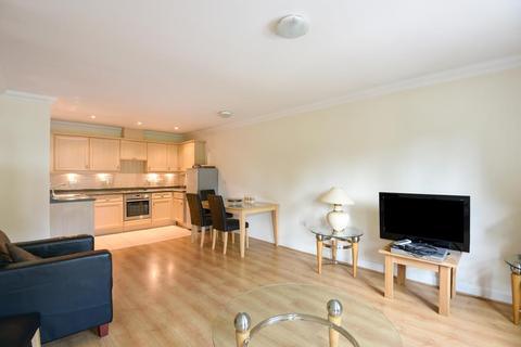 2 bedroom apartment to rent - Heathside Crescent, Woking, GU22