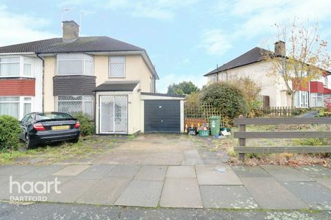 3 bedroom semi-detached house for sale - Birling Road, Erith