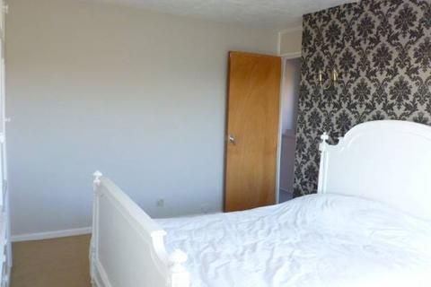 4 bedroom semi-detached house to rent - Oatfield Drive, Cranbrook, Kent TN17 3NG