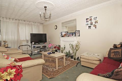 3 bedroom terraced house for sale - Leontine Close, London, SE15