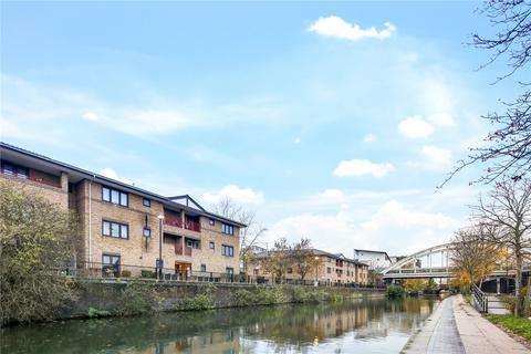 2 bedroom flat to rent - Canal Path, London, E2