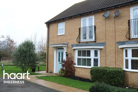 4 bedroom semi-detached house for sale - Brambles Close, Minster on Sea