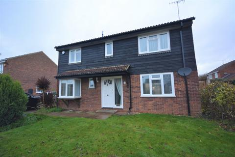 4 bedroom detached house to rent - Quilp Drive, Chelmsford, Essex, CM1