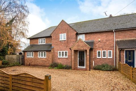 4 bedroom end of terrace house for sale - Hedgeside, Potten End, Berkhamsted, Hertfordshire, HP4