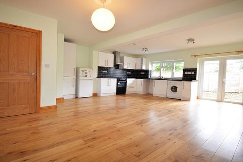 3 bedroom end of terrace house to rent - Oliver Road, New Malden