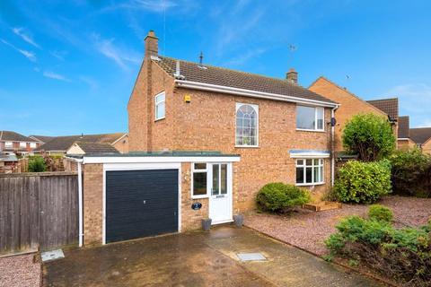 3 bedroom detached house for sale - Thurstan Close, Bourne, Lincolnshire, PE10