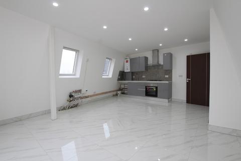 3 bedroom apartment to rent - Peckham Park Road, London