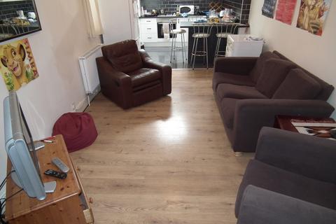 4 bedroom flat to rent - Newlands Road, NE2 - Aug 2020