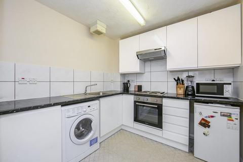 1 bedroom flat to rent - Chaucer Drive, London SE1