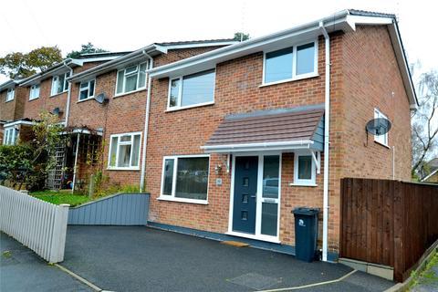 3 bedroom end of terrace house for sale - Glenives Close, St. Ives, Ringwood, Dorset, BH24