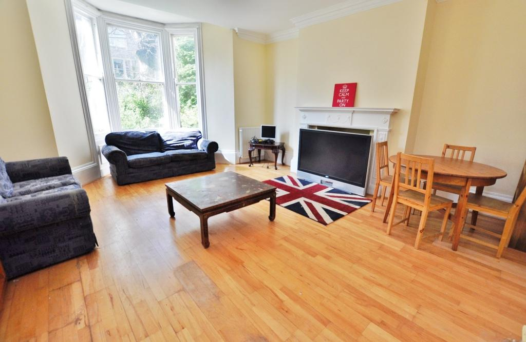 Granville road jesmond newcastle upon tyne 3 bed flat to for Living room on main