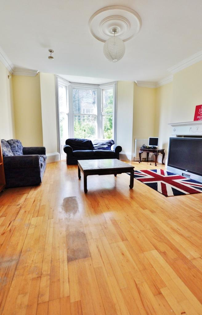 Granville road jesmond newcastle upon tyne 3 bed flat to for Living room newcastle