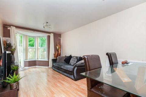 1 bedroom ground floor flat to rent - Battenberg Walk London , london  SE19
