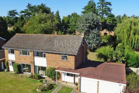 6 bedroom detached house for sale - Magical garden near Maidenhead Riverside