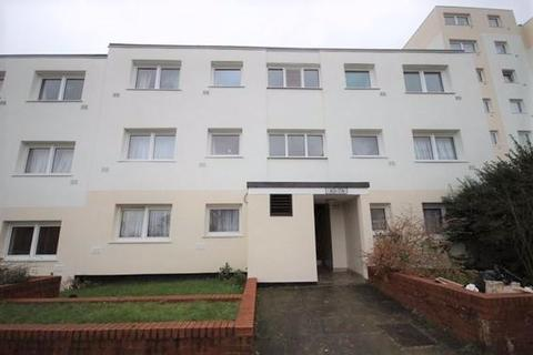 2 bedroom flat for sale - Chobham Walk, Luton