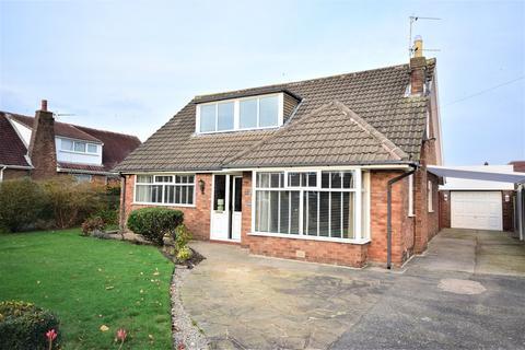 3 bedroom detached bungalow for sale - Elmhurst Road, Lytham St Annes, FY8