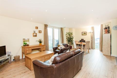 1 bedroom flat to rent - 9 Albert Embankment, London