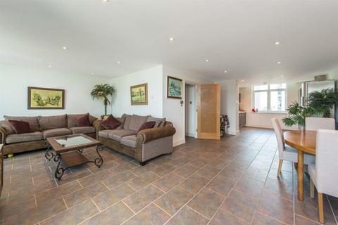 2 bedroom flat to rent - 9 Albert Embankment, Nine Elms, London SE1