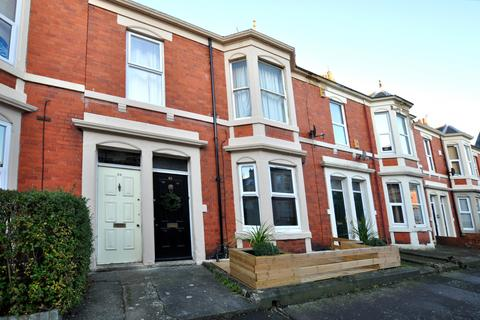 3 bedroom flat to rent - Lavender Gardens, Jesmond, Newcastle Upon Tyne