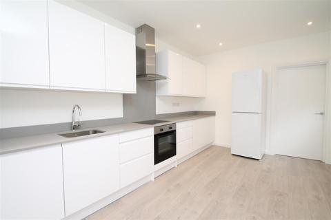2 bedroom flat to rent - Kelvin Avenue, London N13