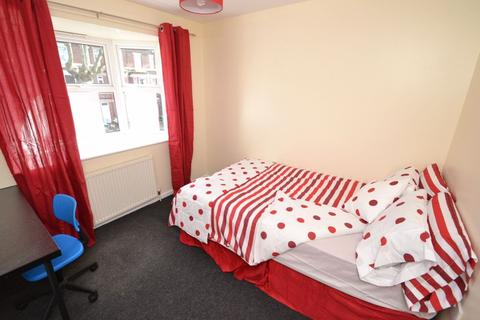 6 bedroom flat to rent - Lenton Boulevard, NG7 - UON
