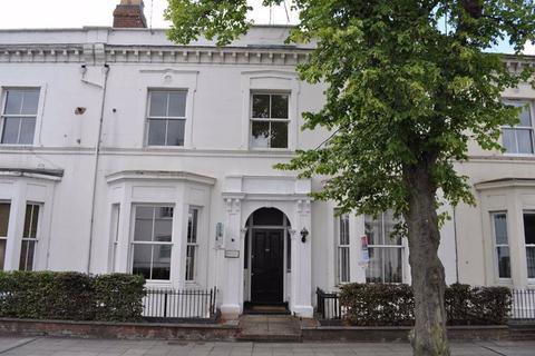 2 bedroom flat to rent - Flat 4, Clarendon  Avenue, Leamington Spa