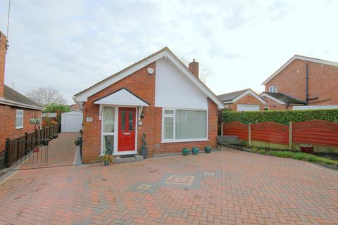 2 bedroom detached bungalow for sale - Osborne Grove, Shavington, Crewe