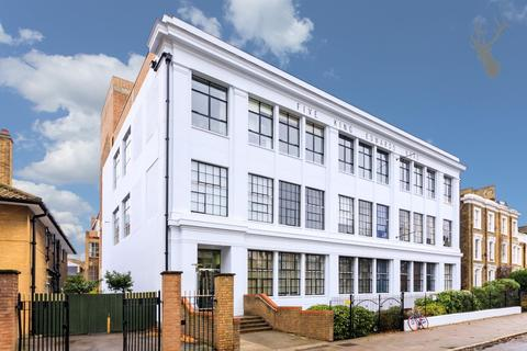 2 bedroom flat for sale - King Edward's Road, London
