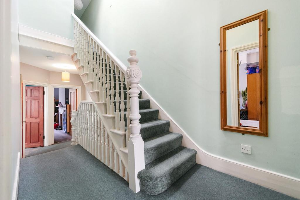 Hallway (3).jpg