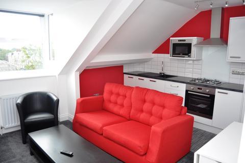 3 bedroom apartment to rent - Jesmond Road, Newcastle Upon Tyne