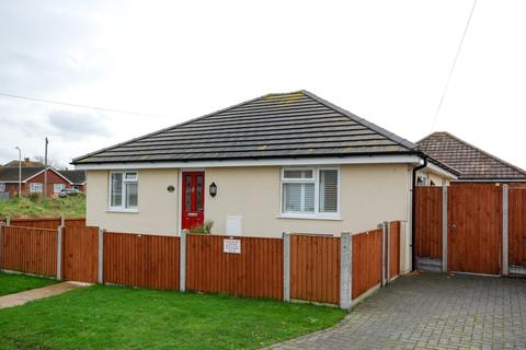 2 bedroom detached bungalow for sale - Bentley Avenue, Herne Bay