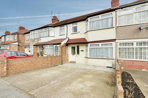 3 bedroom terraced house for sale - Balmoral Drive, Hayes UB4