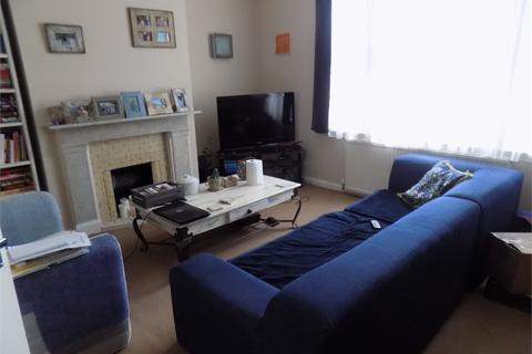 2 bedroom flat to rent - Faversham Road, Catford, London, SE6 4XF