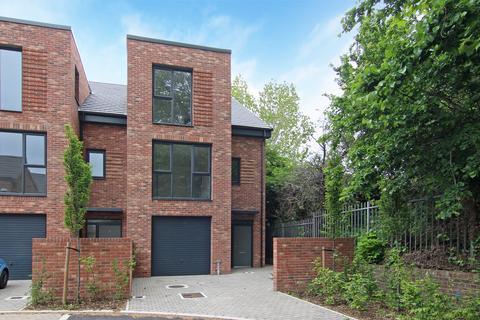 4 bedroom house for sale - Bellin House, Reynard Way, Brentord, TW8