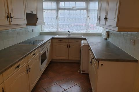 3 bedroom townhouse to rent - West Arbour Street, London, E1