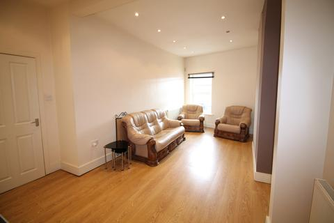 1 bedroom apartment to rent - Above Martin & Co shop Albert Road, Widnes